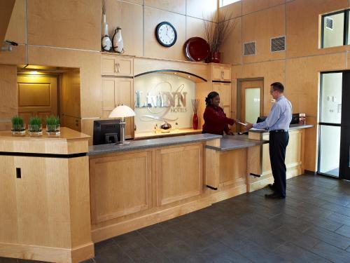 Livinn Hotel Minneapolis South /Burnsville - Burnsville, MN 55337