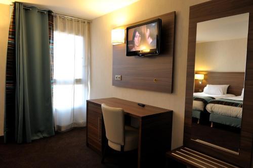 Holiday Inn Paris Montmartre photo 8