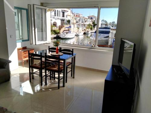 Hotel Waterside Apartment - Two Bedroom