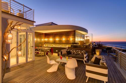 The Penthouse On Beach