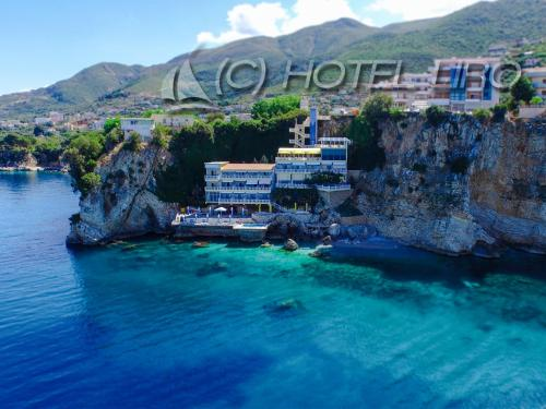 . Hotel Liro