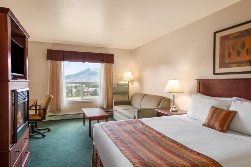 Grande Cache Inn & Suites - Grande Cache, AB T0E 0Y0