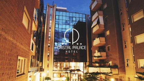 . Cristal Palace Hotel