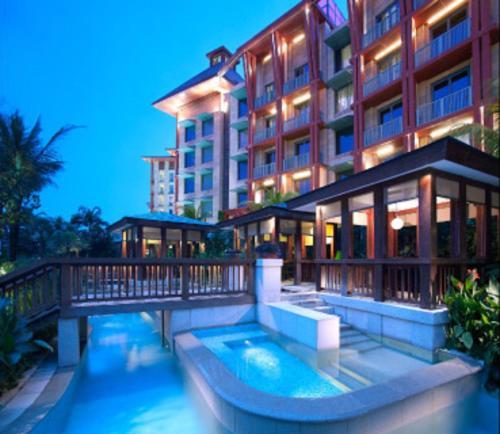 8 Sentosa Gateway, 098269, Singapore.