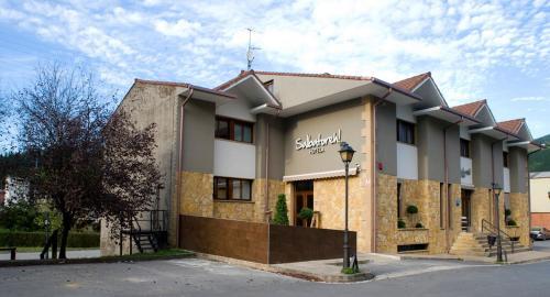 . Hotel Salbatoreh