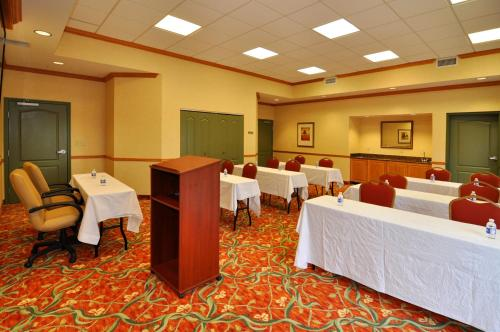 Country Inn & Suites By Radisson Pensacola West Fl