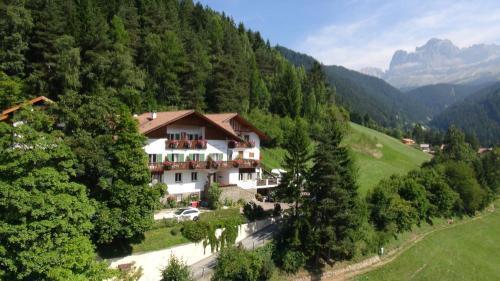 Hotel Berghaus Rosengarten - Nova Levante