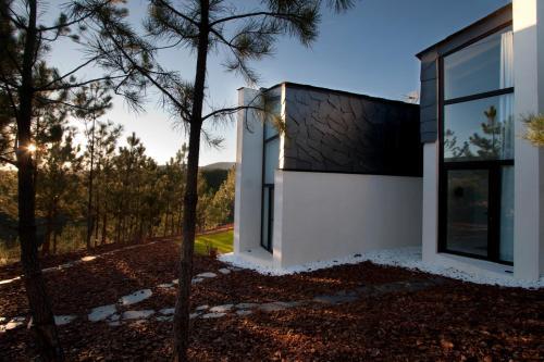 Estudio Deluxe con cama grande - Uso individual Akassa Alojamientos Bioclimaticos en las Hurdes 32