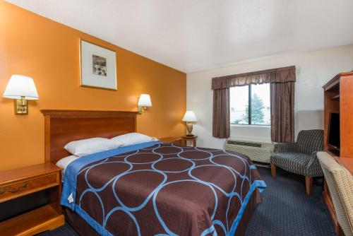Super 8 By Wyndham Hartford
