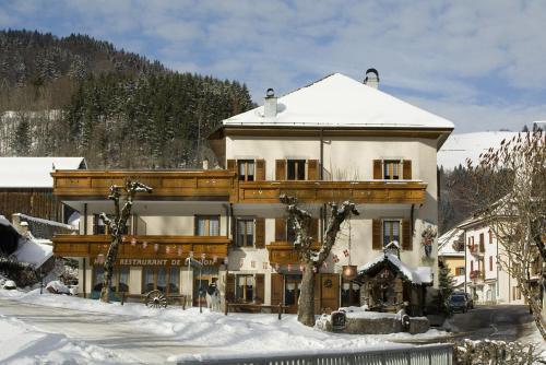 Accommodation in Lullin