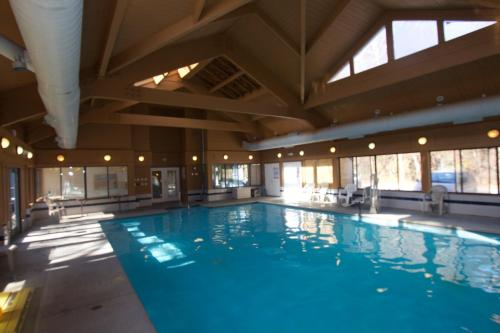 Stony Court at Bryce Mountain by Capital Vacations - Accommodation - Basye