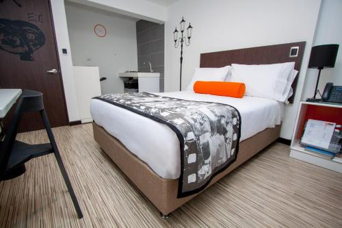 Hotel DC Feria