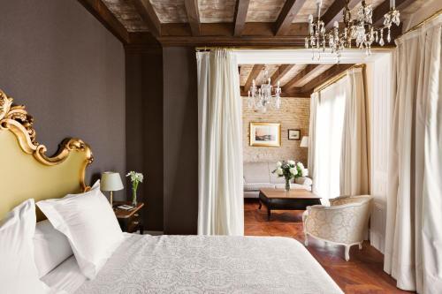 Deluxe Premium Zimmer mit Zustellbett Hotel Casa 1800 Sevilla 10