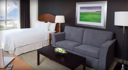 Cambridge Suites Hotel Halifax - Halifax, NS B3J 3P5