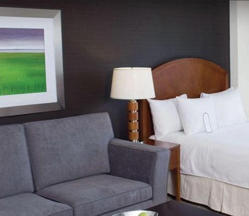 Cambridge Suites Hotel Halifax - Photo 8 of 25