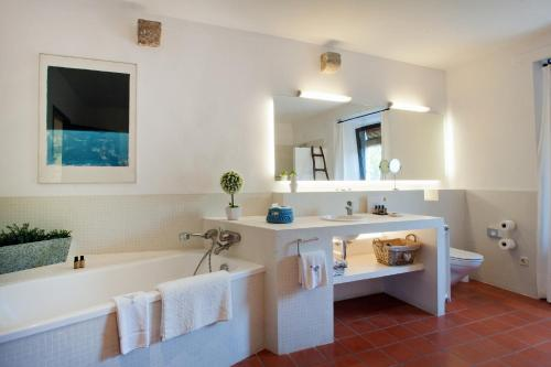Suite with Spa Access Mas Falgarona Hotel Boutique & SPA 9