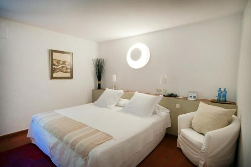 Superior Double Room with access to the spa Mas Falgarona Hotel Boutique & SPA 2