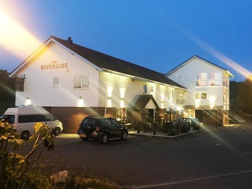 The Riverside Inn (B&B)