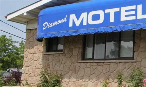 . Diamond Motor Inn
