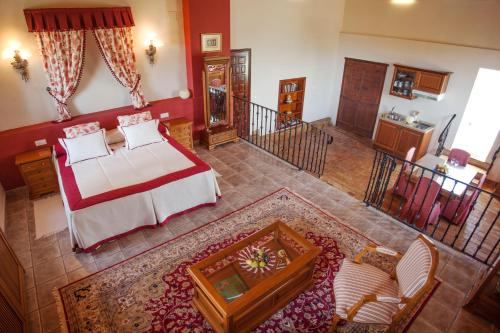 Suite with Mountain View - single occupancy Hotel Rural Masía la Mota 20