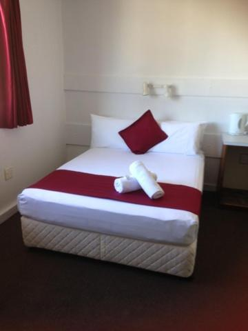Фото отеля Hotel Beach House Nambour