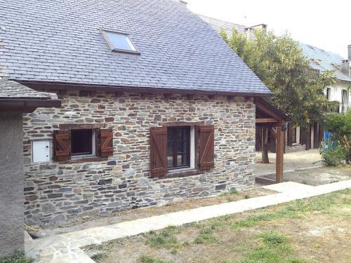 Gîtes Au Chant des Marmites - Hotel - Saint-Lary Soulan