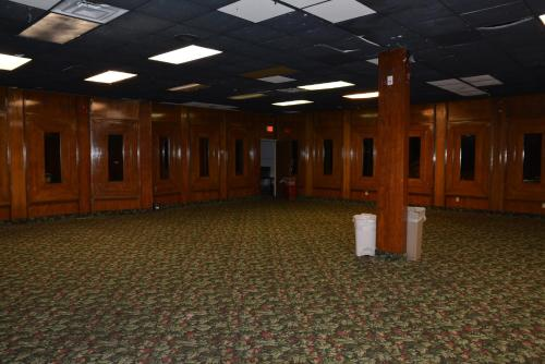 Lincoln Inn Express Hotel And Suites - Oklahoma City, OK 73105