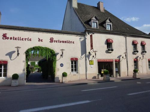. Hostellerie De Bretonniere