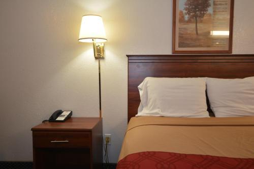 Econo Inn And Suites - Oklahoma City, OK 73128