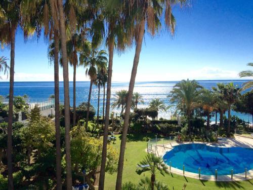 . GRAN MARBELLA APARTMENTS by Coral Beach