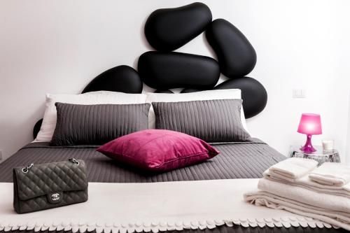 Two Chic Guesthouse - image 13