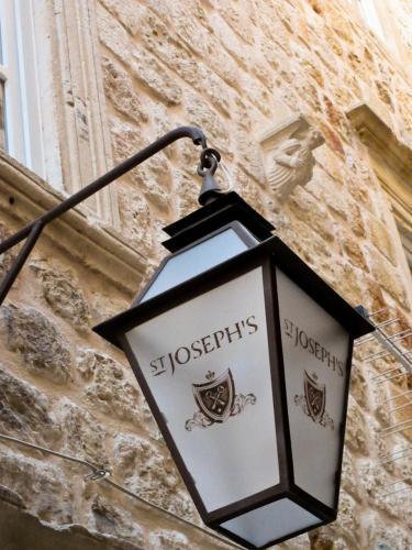Svetog Josipa 3, Dubrovnik, 20000, Croatia.