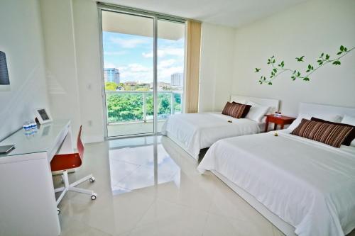 Brickell Apartments At One Broadway - Miami, FL 33130
