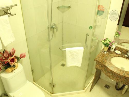 . Green Alliance Jiangsu Lianyungang Jiefang E) Road Motor City Hotel