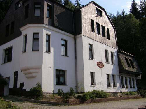 Guest House Akron Tanvald