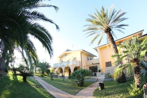 . San Michele Apartments&Rooms
