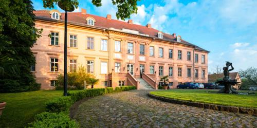 Kasteel-overnachting met je hond in Schlosshotel Rühstädt Garni - Natur & Erholung an der Elbe - Rühstädt