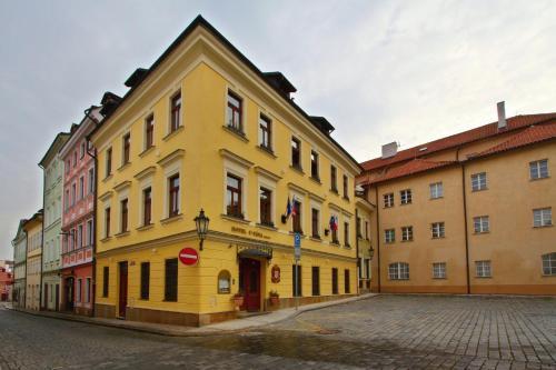 U Luzickeho Seminare 30, Prague, 11800, Czech Republic.