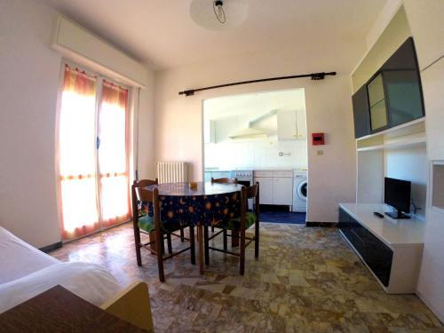 A-HOTEL com - Villa Graziella, Aparthotel, Loano, Italia