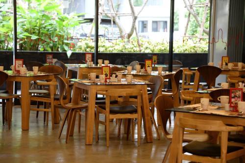 Galleria 12 Sukhumvit Bangkok by Compass Hospitality photo 17