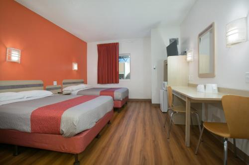 Motel 6 Minneapolis - Brooklyn Center - Brooklyn Center, MN 55430