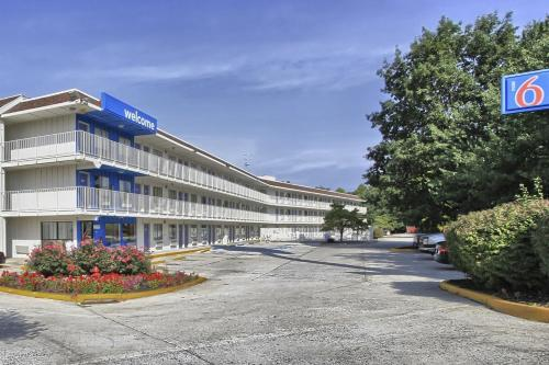 Motel 6 Harrisburg - Hershey South - New Cumberland, PA 17070