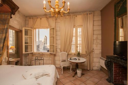 HotelHôtel du Palais des Papes