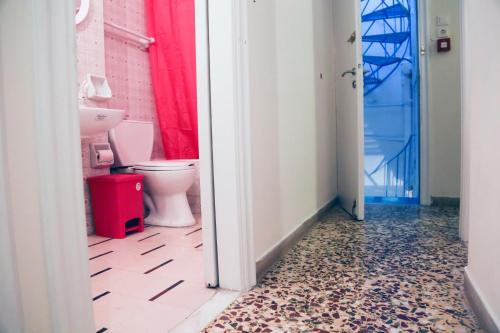 Chameleon Youth Hostel – Athens 2