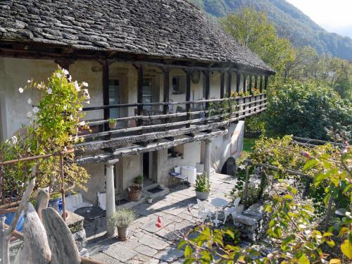 Airbnb | Brissago Ferienwohnungen & Unterknfte - Tessin