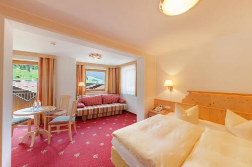 Hotel Pinzger room photos