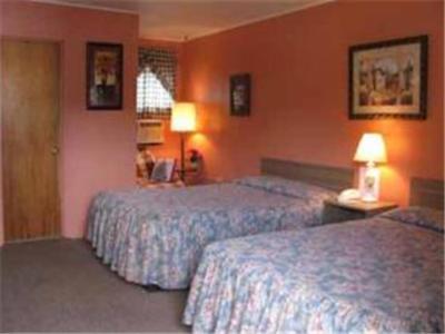 . Four Seasons Motel