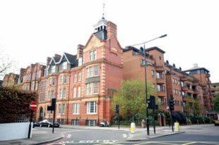 London Kensington & Chelsea 2 Bed Zone 1 Aprt picture 1 of 8