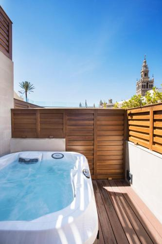 Deluxe Room with Terrace and Jacuzzi® Hotel Casa 1800 Sevilla 17