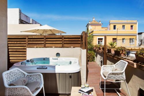 Deluxe Room with Terrace and Jacuzzi® Hotel Casa 1800 Sevilla 16